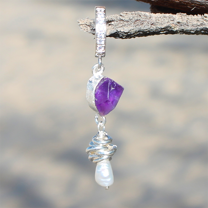 TummyToys® Pearl Amethyst CZ Clasp. Quality Belly Rings.