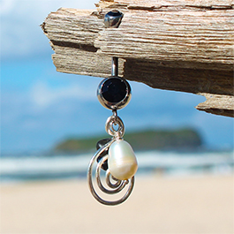 Saltwater Silver Pearl Onyx Belly Dangle - Solid Silver Hand Crafted Belly Rings